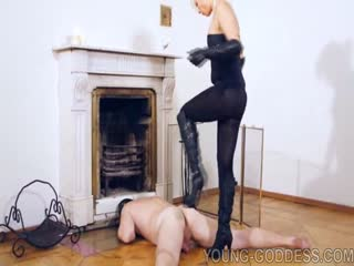 Mistress Katherine high heels domination