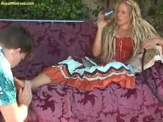 Foot slave of a Royal Mistress