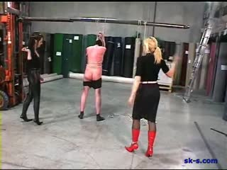 Inhuman whipping to a helpless slave