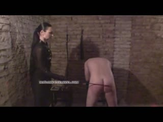 Madame Catarina administer the punishment to a bad man