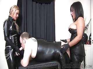 Spit roasted by mistresses strapon