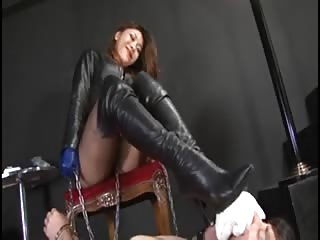 Cruel BDSM Asian mistress