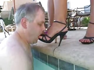 Foot slave in the pool
