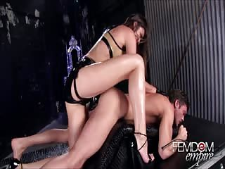 Latina domme nailed slave's ass with strapon