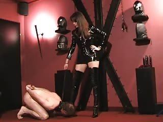 Crucified slave get punished by Lady Ramirez