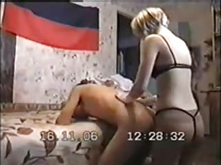 Doggy pose pegging from a short haired blonde