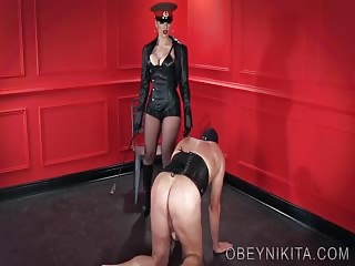 Mistress Nikita\'s boot domination