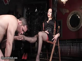 Goddess Cheyenne personal foot slave in the dungeon