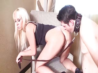Ass licking for adorable blonde