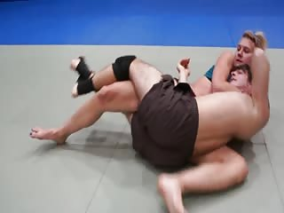 Sadistic mixed wrestling session